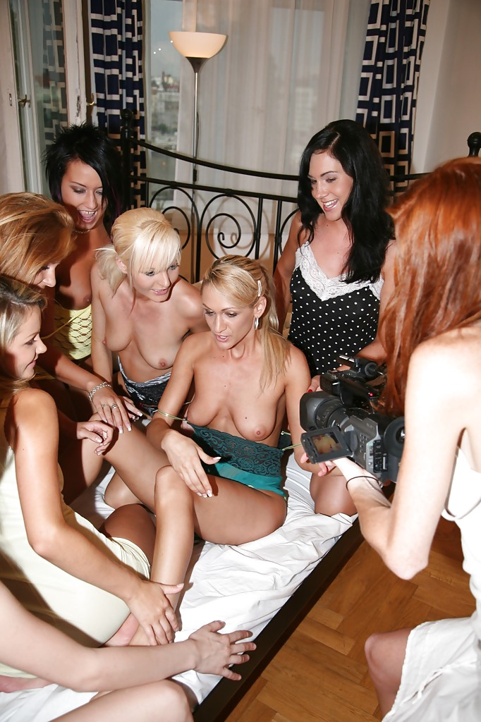 Lesbian Scissoring Big Tits