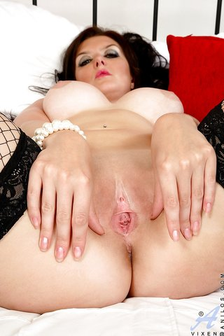 mature big tits fishnet