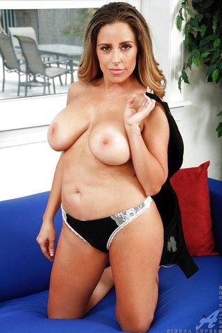 american latina boobs mom
