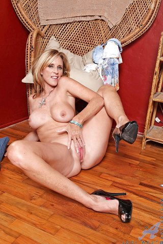 american hot mom big