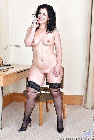 spaniard stripping euro mom