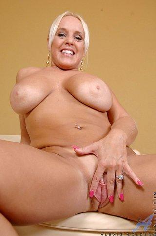 american huge boobs saggy