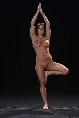 ebony mature yoga