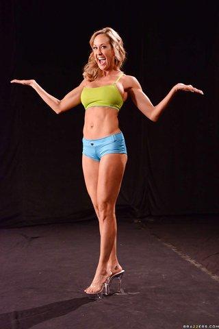 american flexible bikini babe