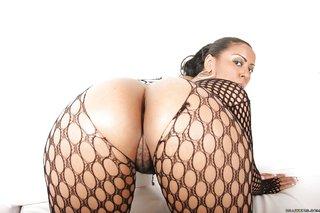 latina ebony booty