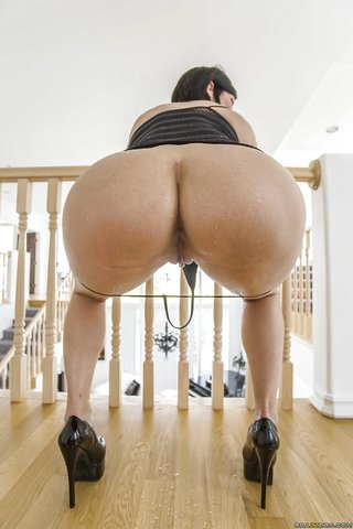 american round ass big
