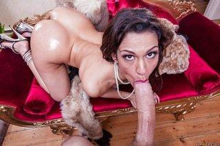 spaniard brunette booty latina