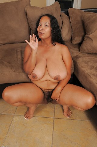 Sexy naked chubby amateur