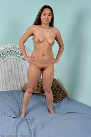 amateur small breast asian