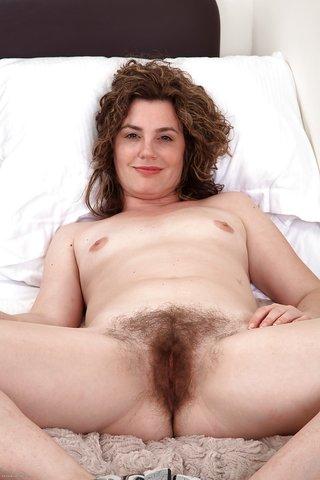 british mature hairy snatch