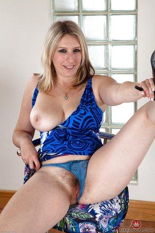 naked british bbw milf