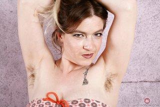 mature model armpits