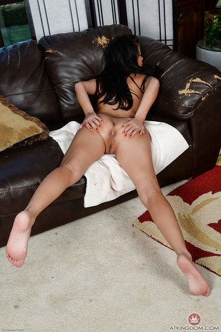 mature shaved asian pussy
