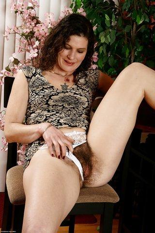 Sexy emo girls bent over nude