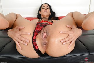 american mature busty latina