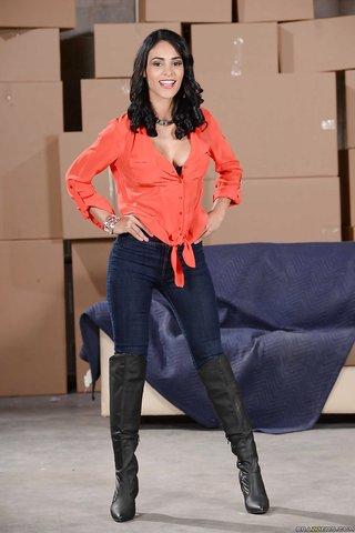 model gorgeous latina