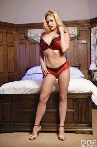 hungarian model big tits