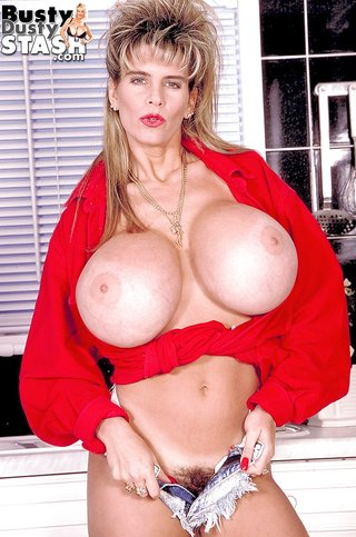american busty mature kitchen