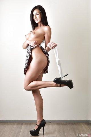 canadian nude model