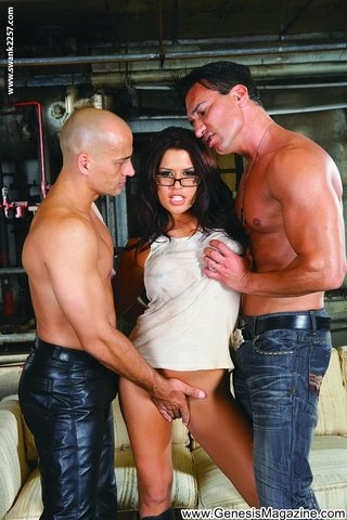 american sexy latina threesome