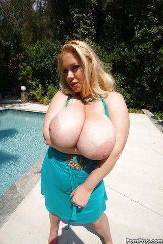 giant tits beautiful blonde
