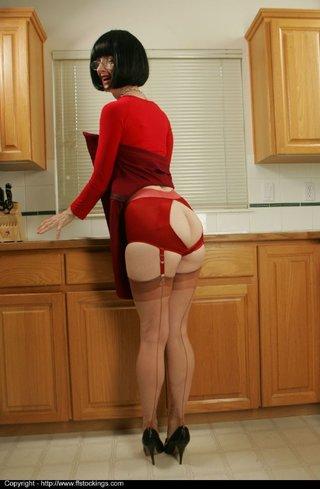american brunette mature stockings