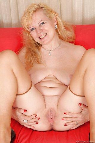 saggy tits fat mature
