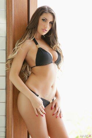 nude canadian brunette babe