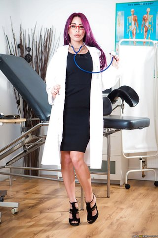 tight lesbian doctor
