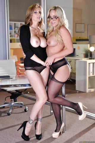 amazing blonde lesbians