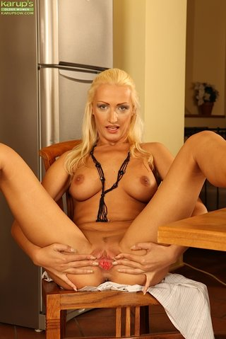 stripping hot blonde mom