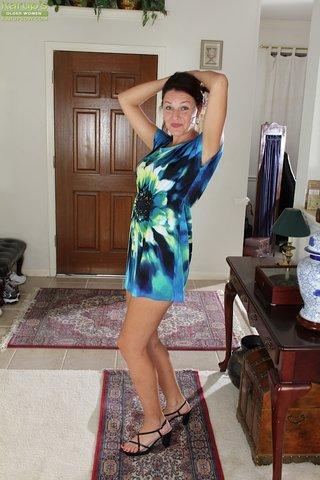 american skinny hot mom