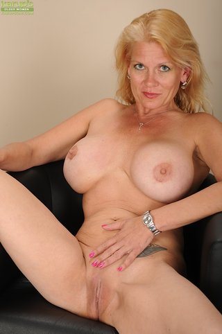 american nude hot mature