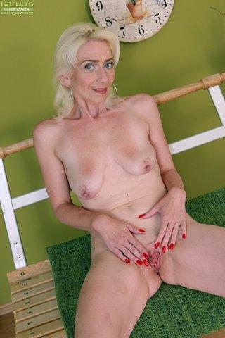 skinny saggy tits mature