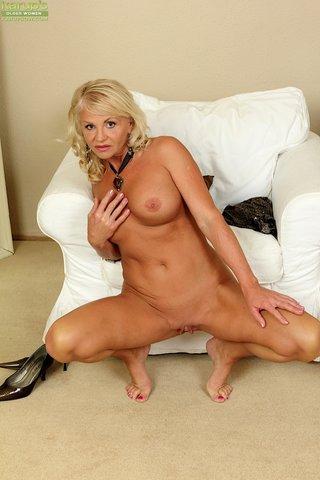 beautiful hot blonde mom