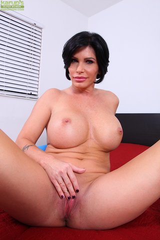 american beautiful mature moms