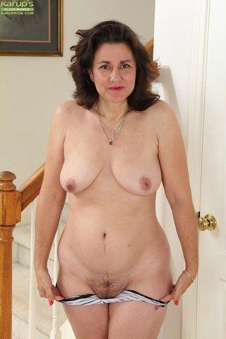 nude brunette wife amateur