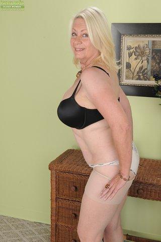 blonde hot bbw milf