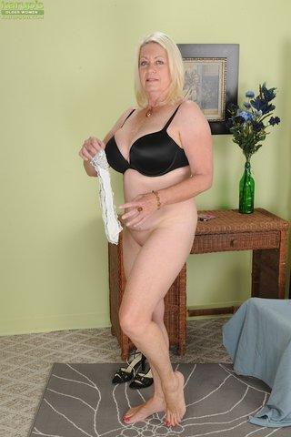 Popular Fat Moms Porn - YOUX.XXX