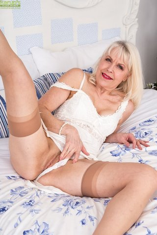 amateur british granny stockings