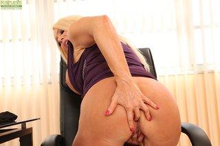 anal busty latina mom