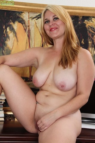 fat naked mom