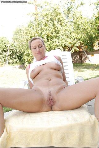sexy naughty mom