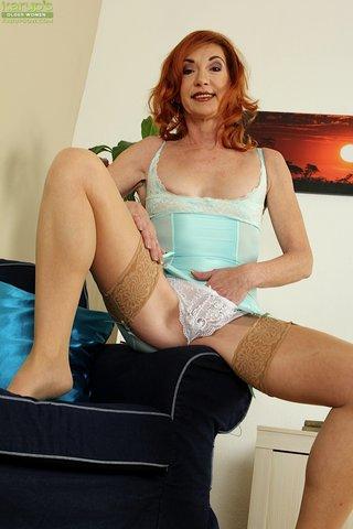 model hot milf mom