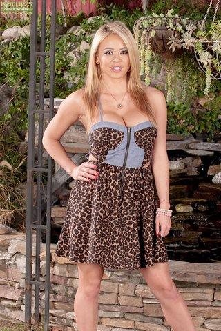 latina big tit blonde