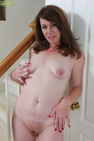 tiny hot chubby milf