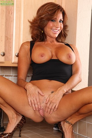 chilean mom big tits