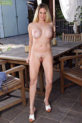 horny sexy mature