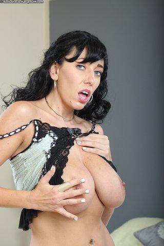 extreme lingerie mom