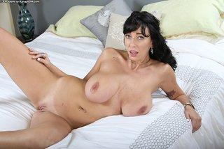 sensual sexy mom